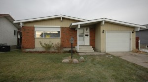 Gorgeous Main Floor Suite with Garage near to Clareview LRT4140 136 Ave (Sifton Park) Edmonton